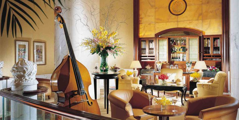 Shangri-La Singapore; Bottomless with Champagne