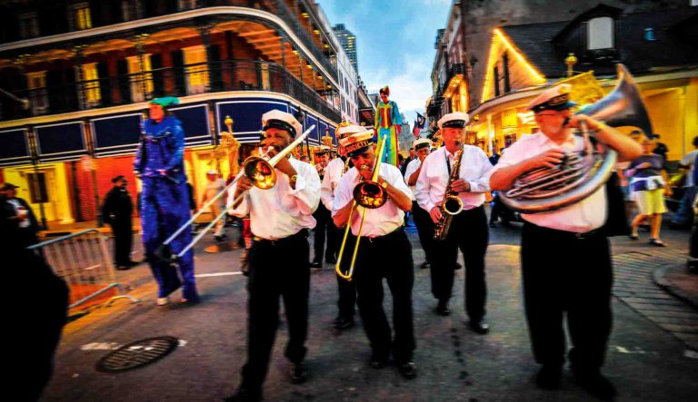 Happening New Orleans – Always have costume ready!