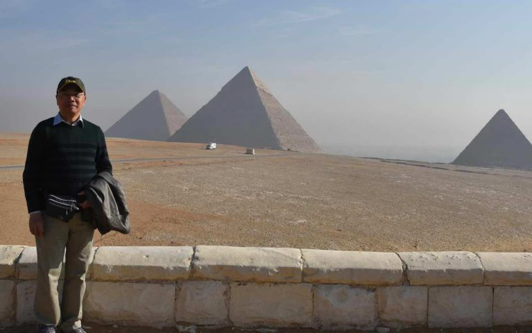 Cairo Pyramids Sphinx and screaming Chinese