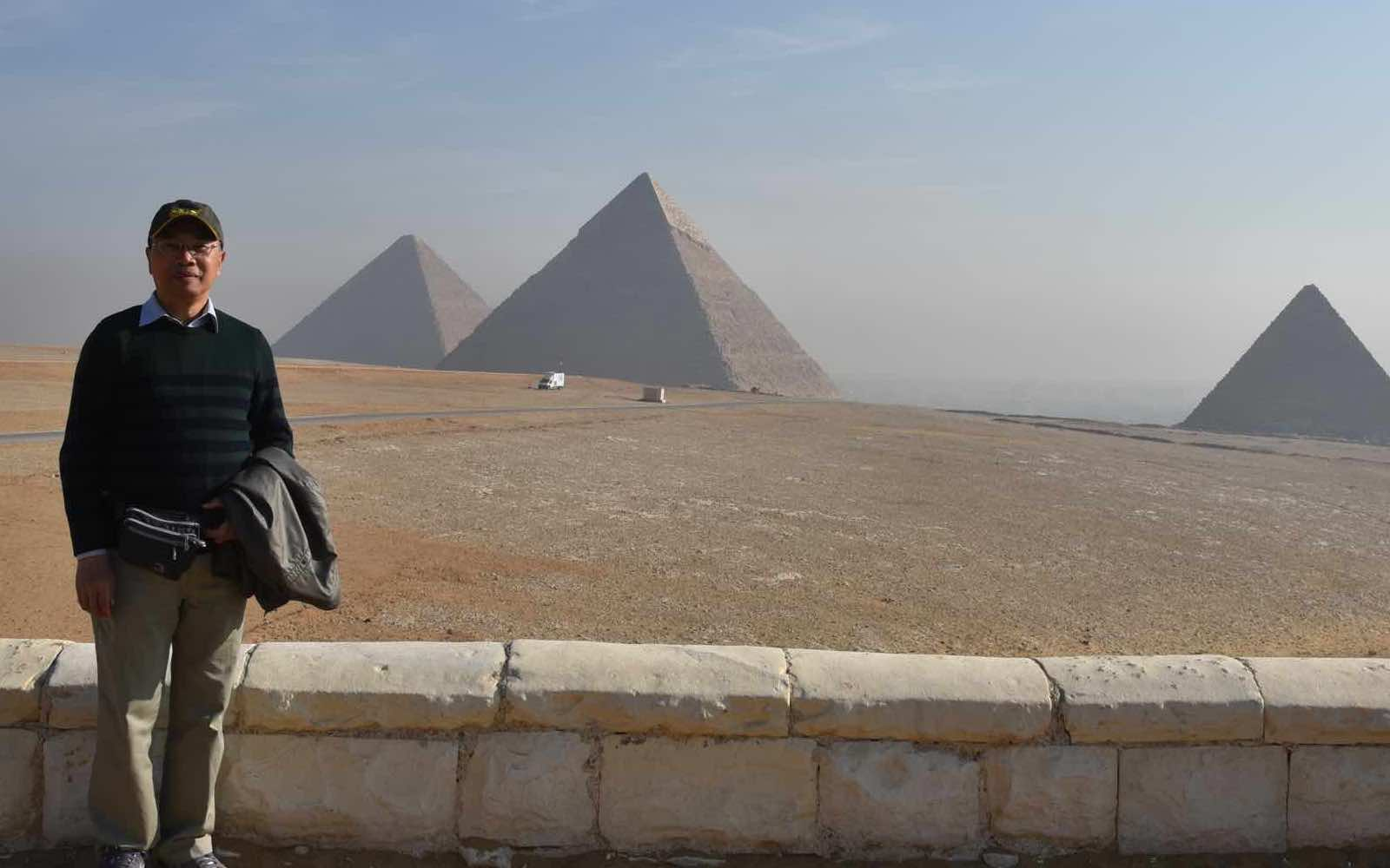 Cairo; Pyramids, Sphinx and screaming Chinese
