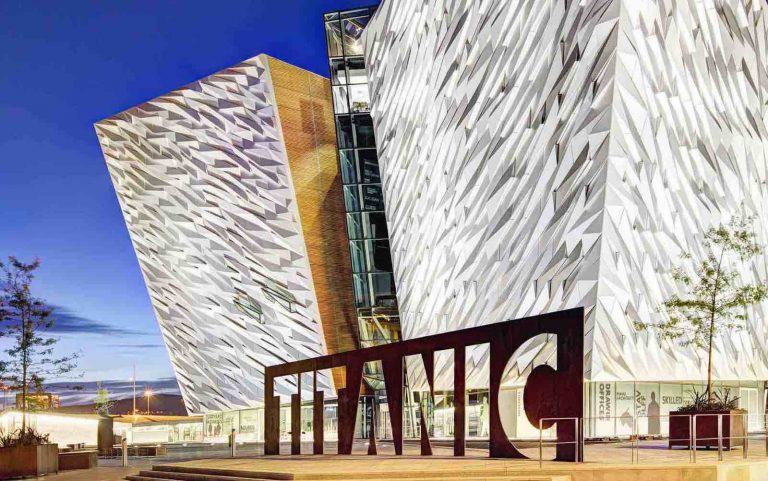 Belfast Guide – Locals happily discuss all under the sun