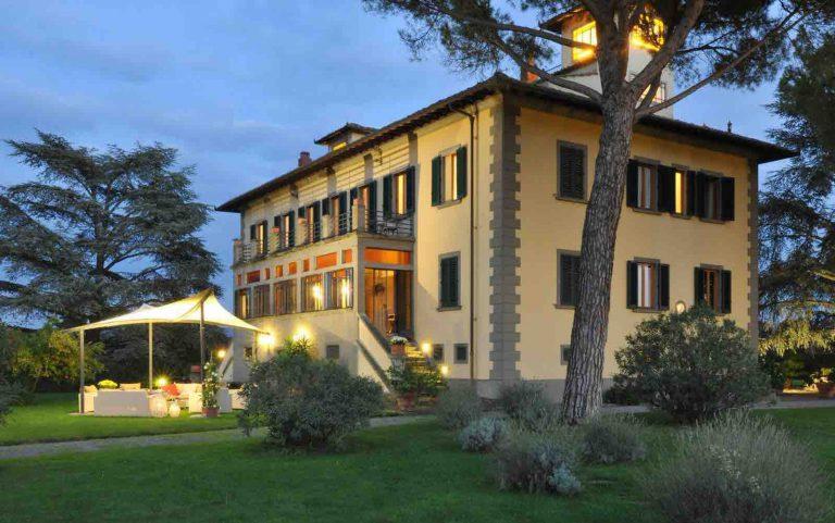 Italian villa and Tuscan Utopia in the Chianti hills
