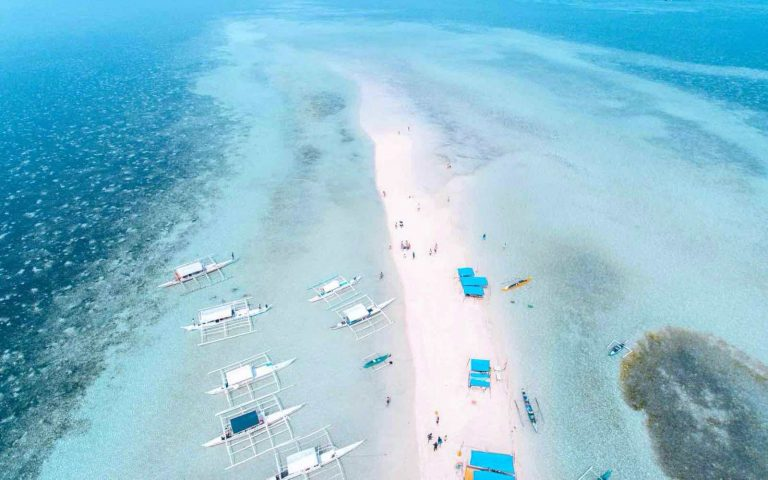 Travel to Philippines: 30 Useful Reasons