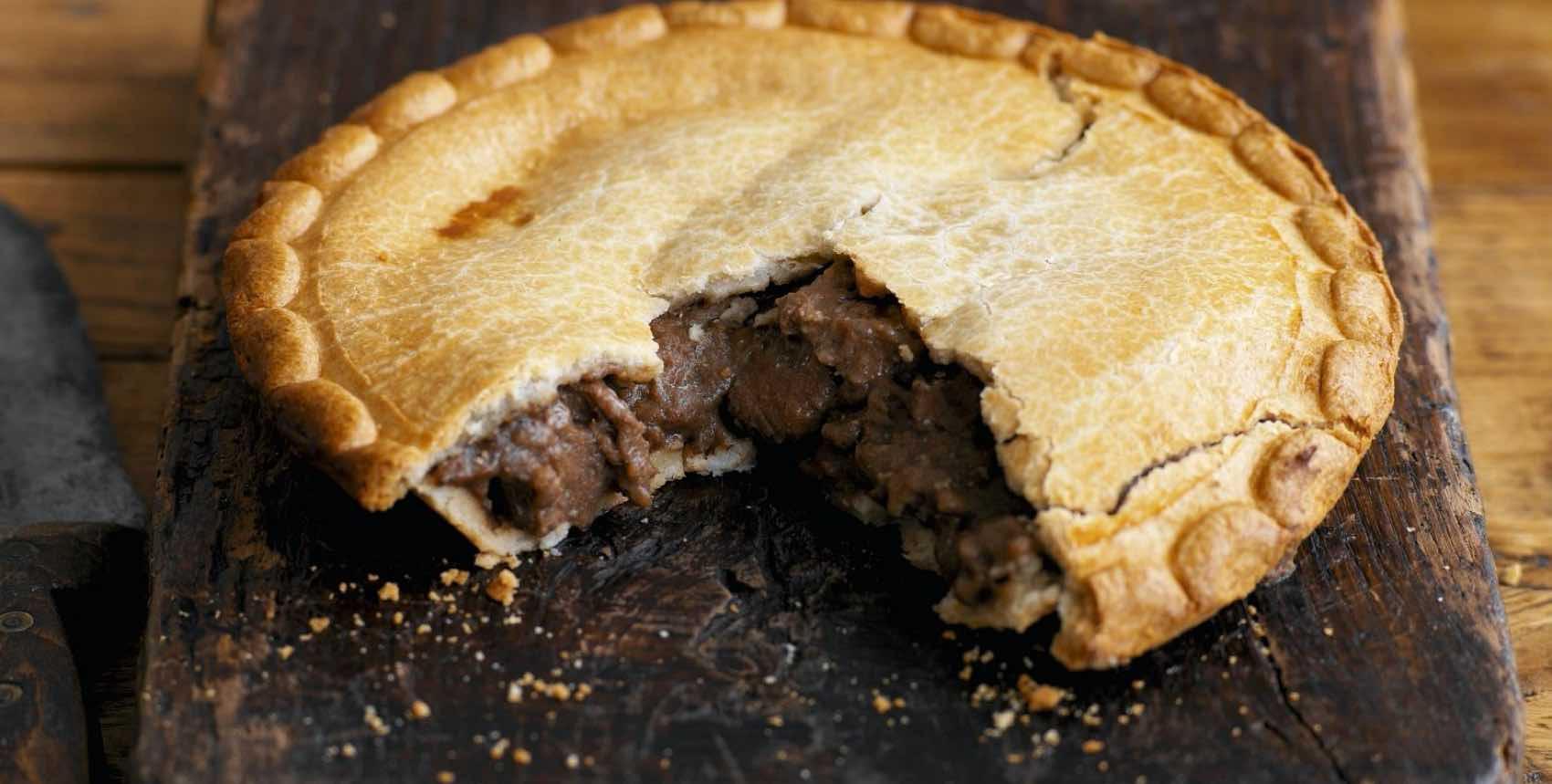 English steak pie