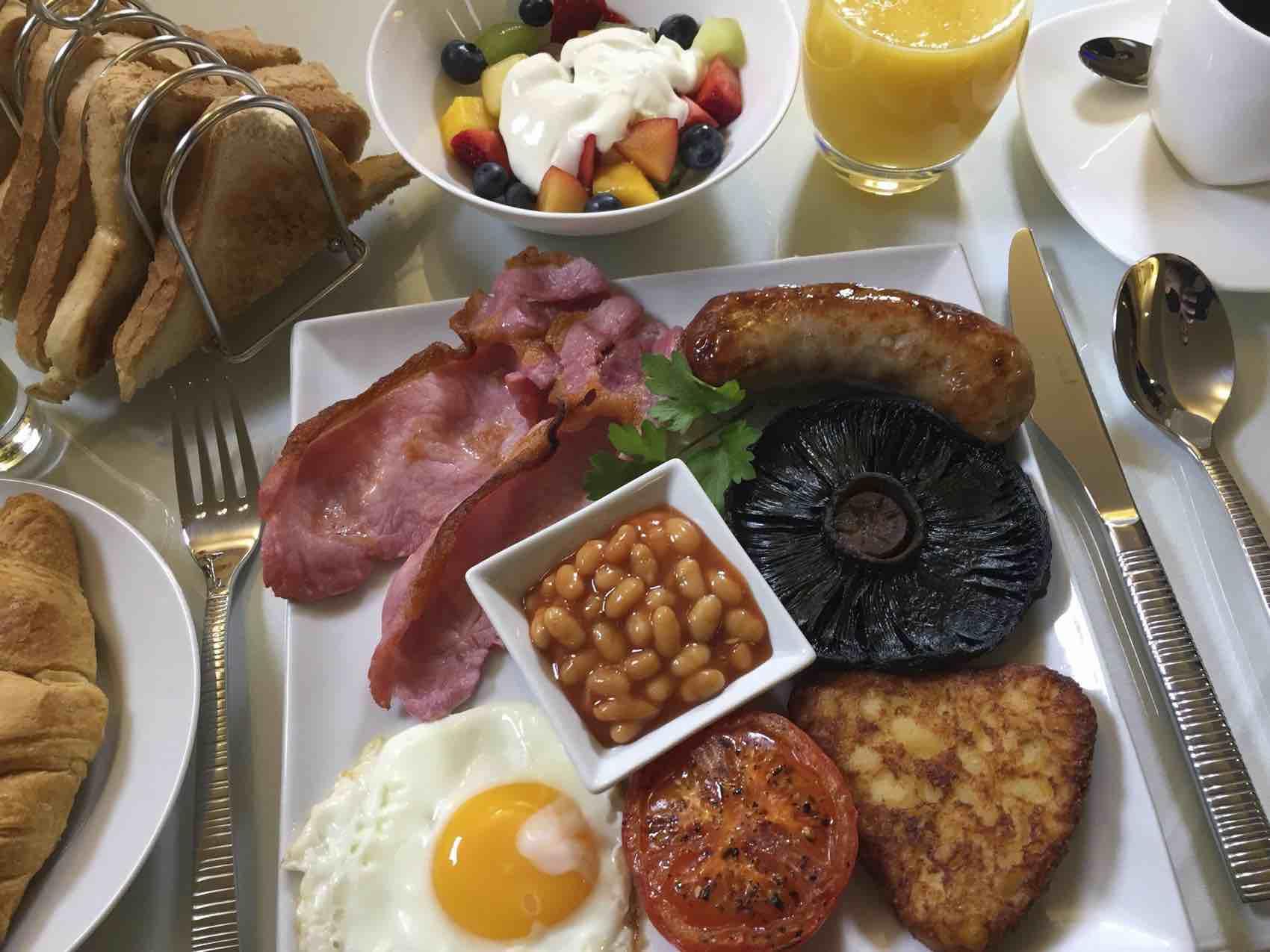 Good Morning: Nothing is like Full English Breakfast