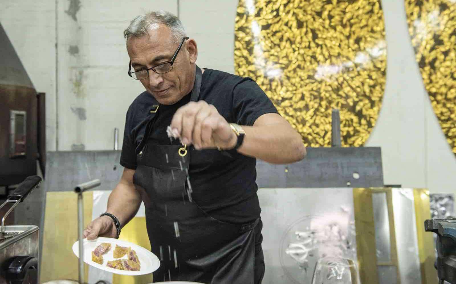 REAL RISOTTO: The famous Italian Chef: Massimo Minutelli makes fake risotto in Lucca.