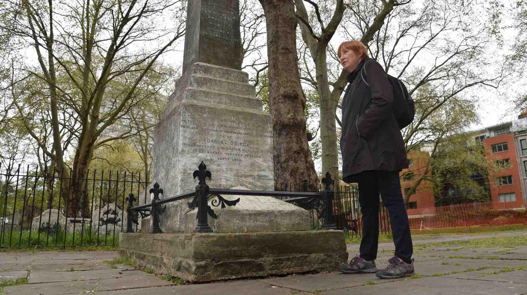 Here lies Daniel Defoe – not exactly. But near at Bunhill Fields Burial Ground